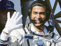 astronot dan arti bacaan shalat